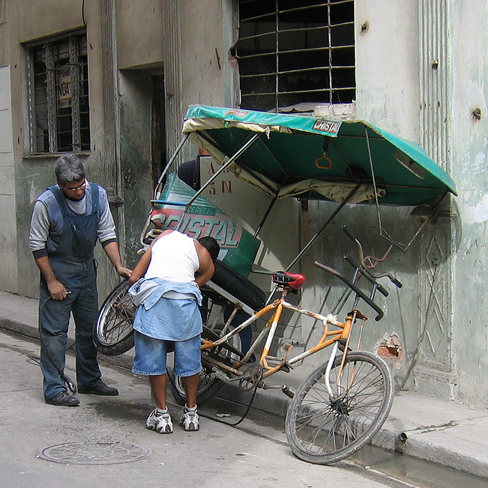 Cuba 2005 6 Cars And Other Vehicles
